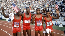 Staffelgold für die USA in Helsinki 1983: Emmit King, Carl Lewis, Willie Gault und Calvin Smith (v.l.n.r.). © Picture-Alliance/dpa